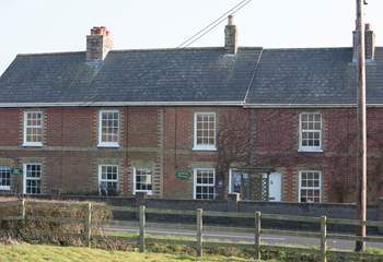 The cottage is located on the main road into St Helens.