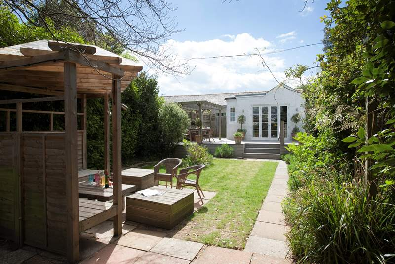 Lawn End is a three bedroom property in the popular village of Seaview on the Isle of Wight.
