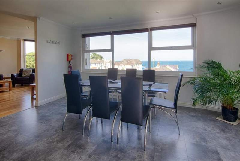 Dining-area with sea views.
