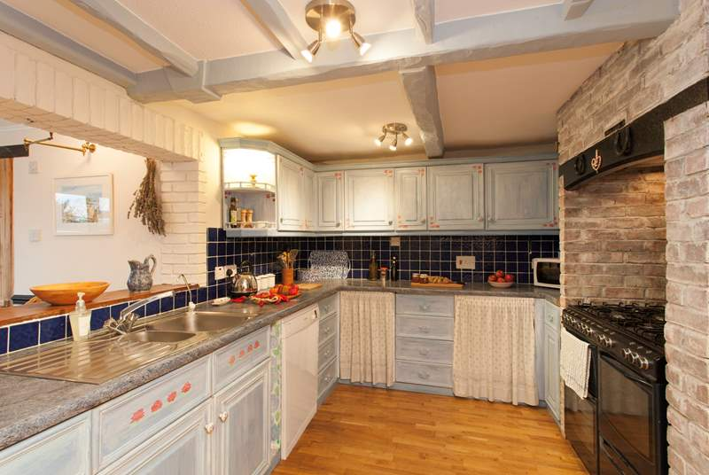 The cottage has a lovely country kitchen, making you feel right at home in the countryside.