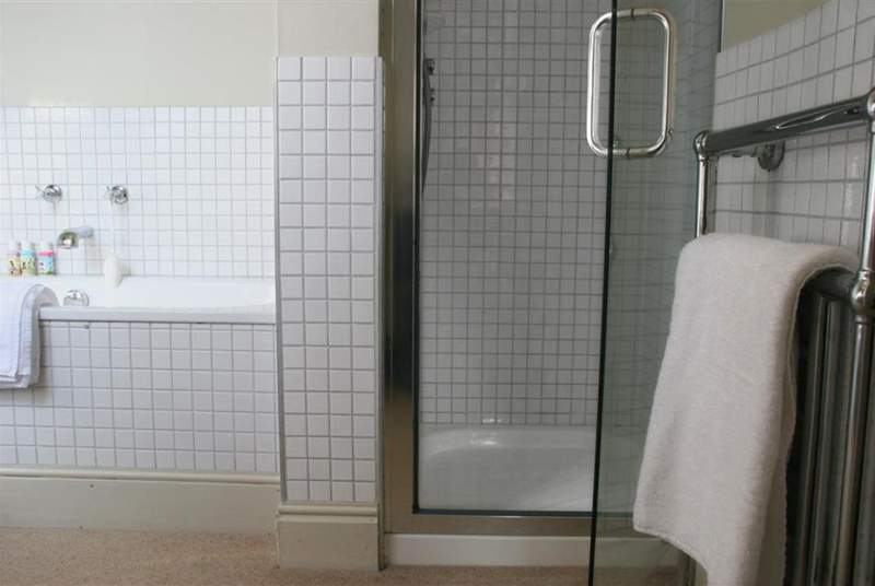 En suite with shower cubicle