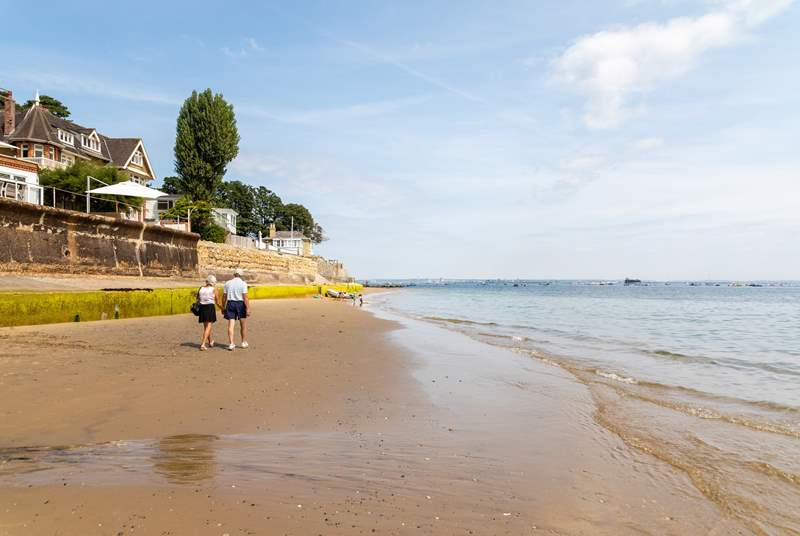Spend the afternoon on Seaview Bay, within walking distance from Pandora Lodge.