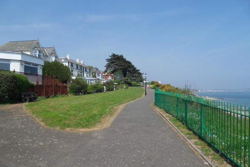 Shanklin cliffpath, only two minutes from The Battenburg Studio with stunning views to Luccombe and Culver Cliff.