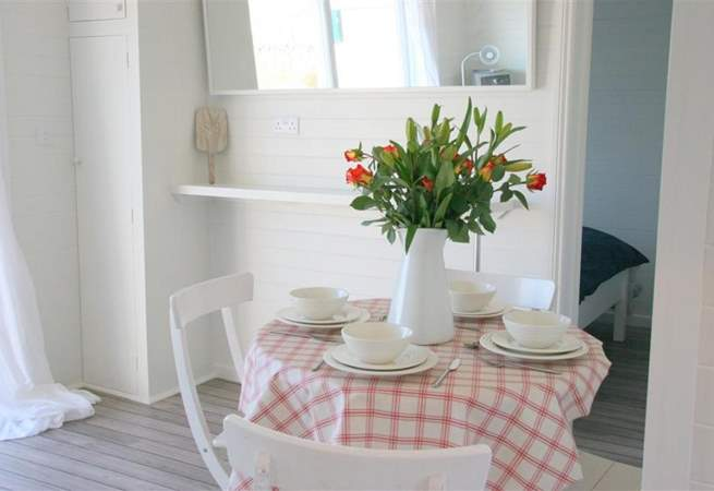 The decor throughout The Beach Retreat is fresh and cheerful.