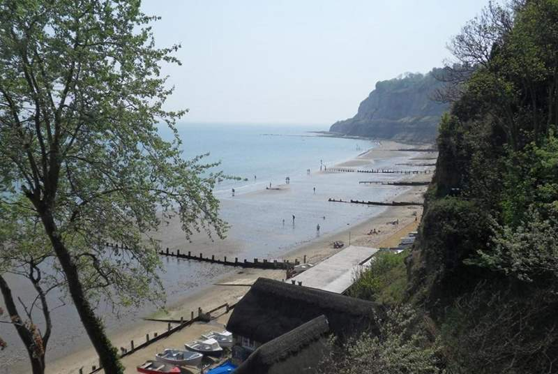 Shanklin seafront towards Luccombe with the Fisherman's Cottage pub and Shanklin Chine.
