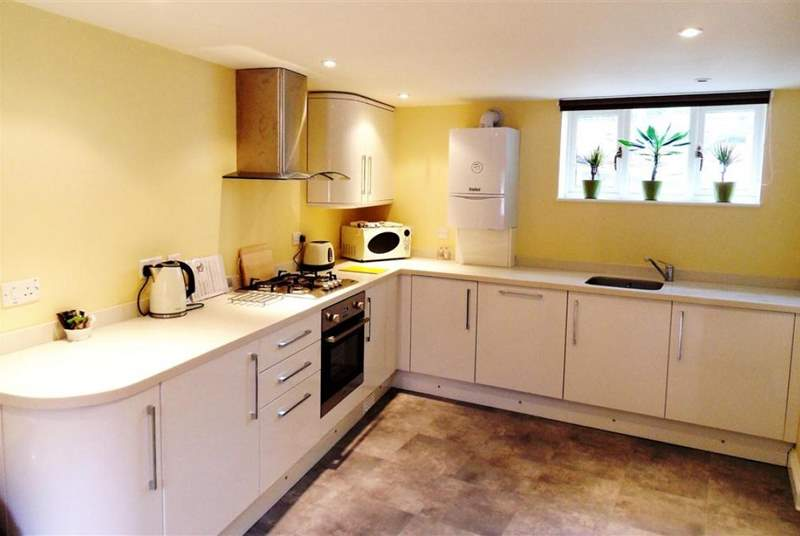 A modern and well-equipped kitchen.