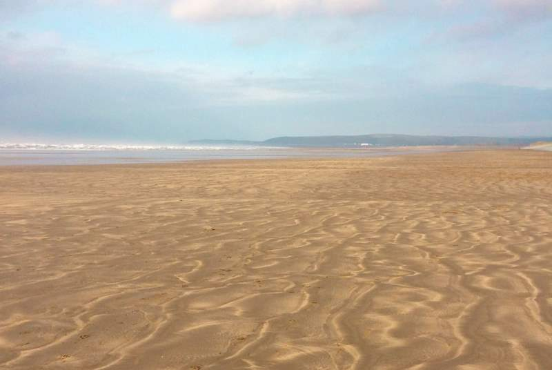 Westward Ho! has miles of sandy beaches at low tide. This is a Blue Flag beach and the far end past the golf course is dog-friendly all year round.