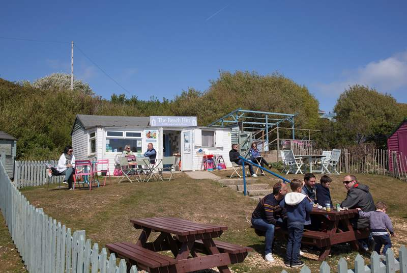 Enjoy a cup of tea, a glass of wine or a spot of lunch is the fabulous ~7Beach Hut~7.