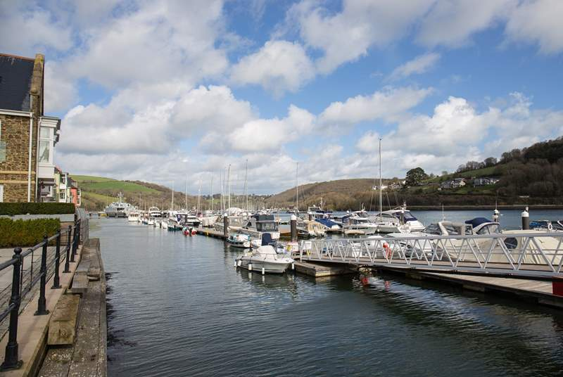 Time to relax, unwind and let the world pass you by. One of the many views which can be enjoyed whilst out and about in Dartmouth.