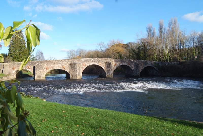 The River Exe is at the foot of the valley. This is the historic bridge at Bickleigh.