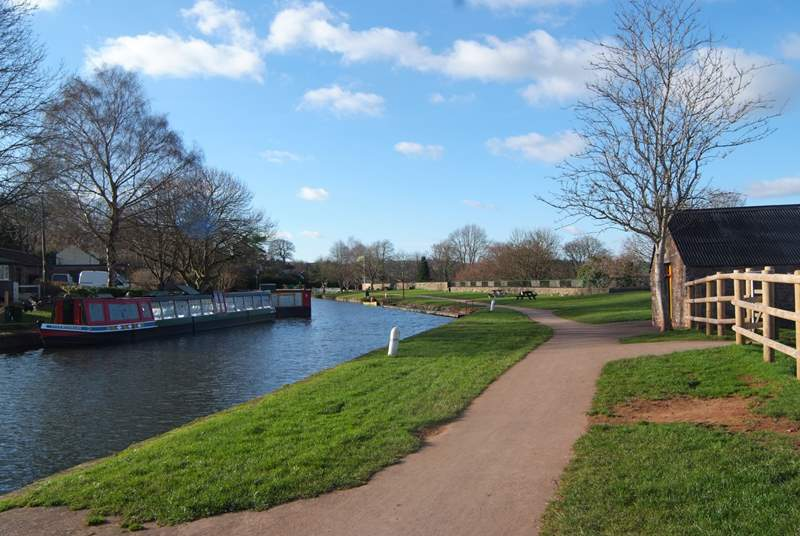 In the other direction, towards Tiverton, you can walk for miles along the canal.