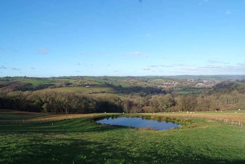 Just round the corner from the cottage is this amazing panoramic view. Guests are welcome to picnic by the pond.