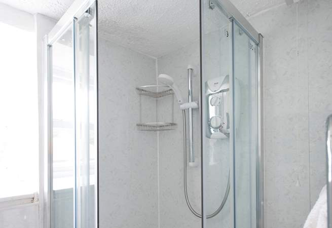 The shower cubicle.