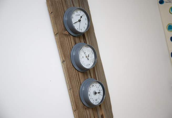 There is no excuse for getting the tides wrong with this lovely clock.