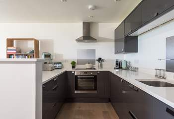 The kitchen is stylish and very well-equipped.