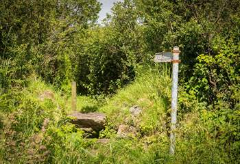There are footpaths right on your doorstep or follow the lane around 900 yards to the beach.