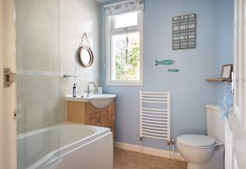 The family bathroom (with a fitted shower over the bath).