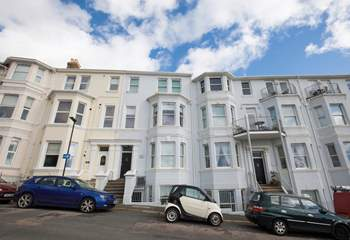 Seacsape is a ground floor apartment in Ventnor, with steps up to the front door.