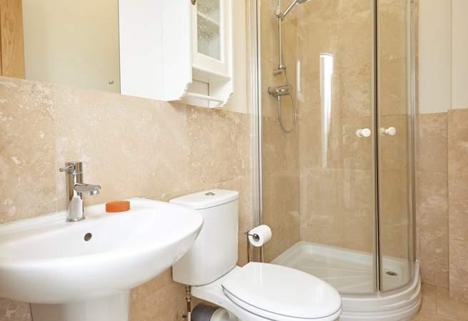 The light family shower-room.