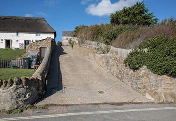 This is the steep private road that takes you from the beach road to the cottage.