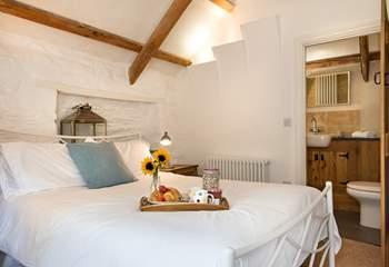 Pretty bedroom 2.