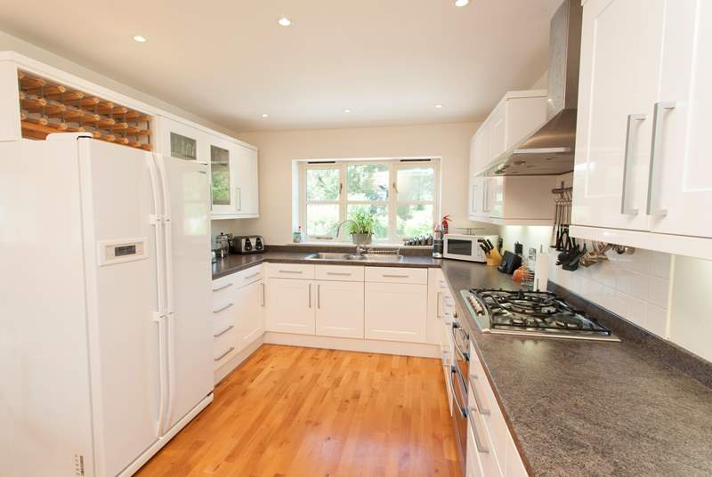 The large kitchen gives you plenty of space and everything you need to prepare those favourite meals.