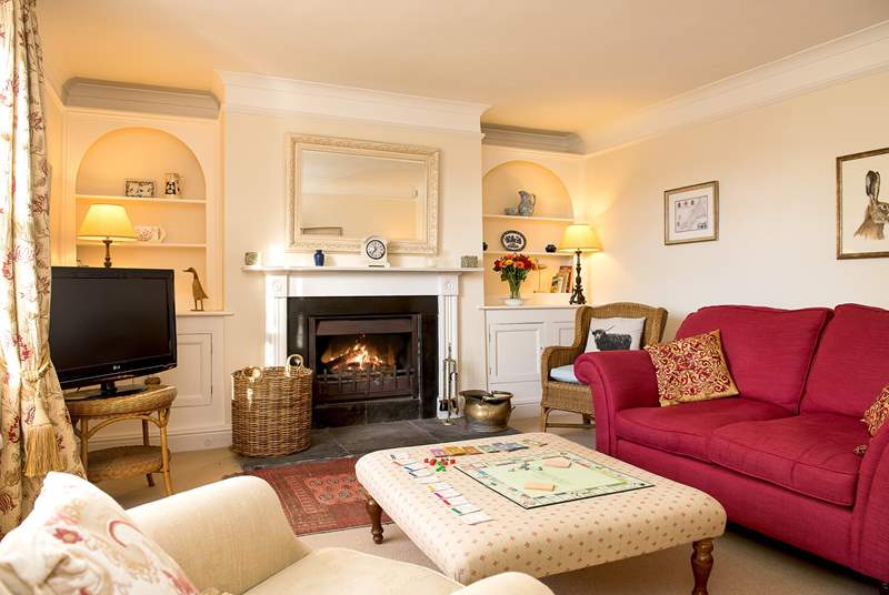 The sitting-room is very restful and the perfect room to unwind in after a day out exploring.