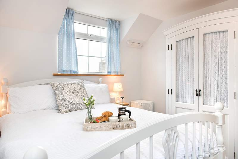 White Cottage has two pretty bedrooms.