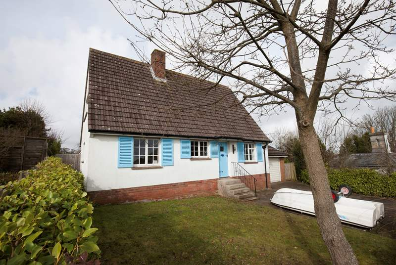 This traditional looking cottage is such a delight, you will be surprised the moment you open the door.