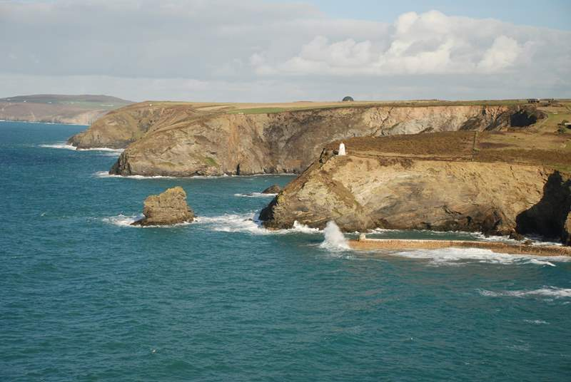 Plenty of stunning coastpath to explore nearby.