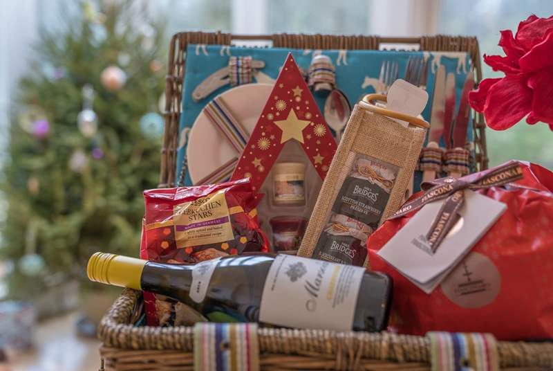 A lovely Christmas hamper is provided over the festive season by the owner.