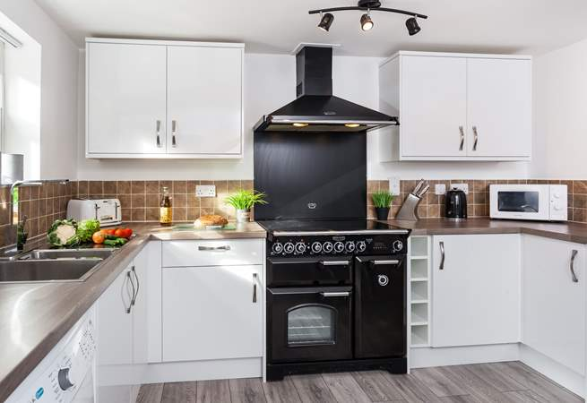The super open plan kitchen/diner has everything you need to cook up a delicious dinner.