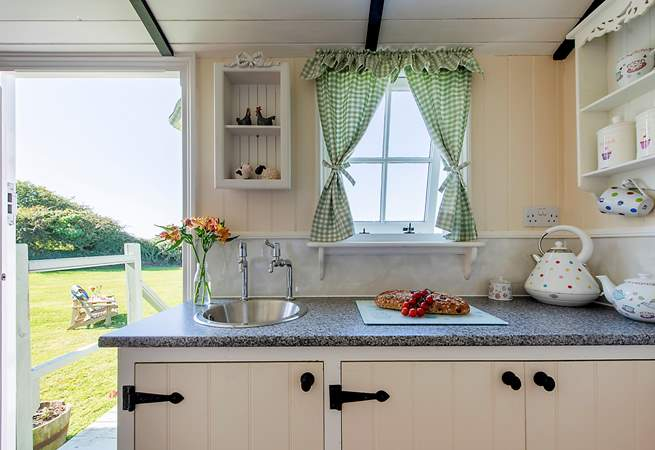 Enjoy the country outlook whilst preparing food for a scrummy supper.