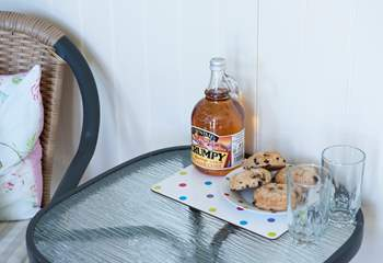 The owner very kindly provides a bottle of Cornish Scrumpy and some yummy hevva buns for you to enjoy.