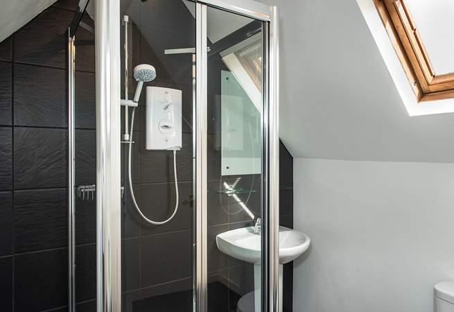 Like the other bedrooms, bedroom 5 also has an en suite shower-room.