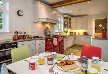 A lovely room to enjoy breakfast or morning coffee (please note guests have use of the electric oven and hob rather than the Aga).
