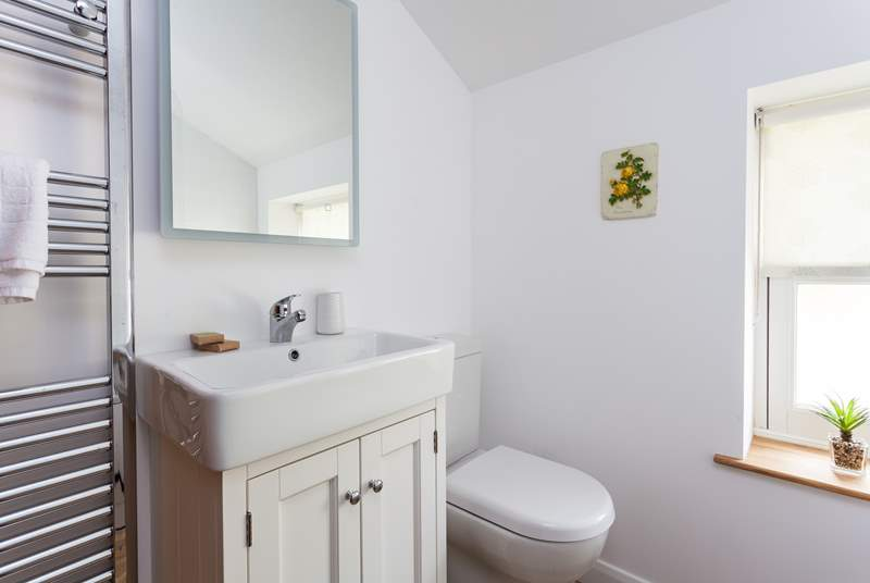 Another view of the family bathroom.
