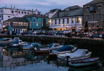 Customs House Quay in Falmouth with restaurants and pubs.