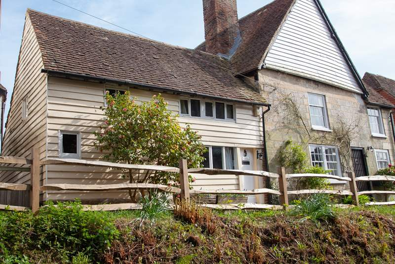 Ancient Cottage is perched on the edge of the historic village of Mayfield.
