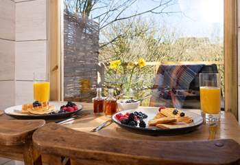 Tuck into a scrummy breakfast, taking in the view, before heading out for the day to explore this wonderful part of Cornwall.