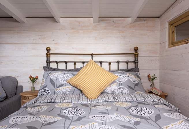 Dive into the super comfy bed after a day out and about exploring (or at the beach!).