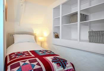 The single bedroom is very sweet.