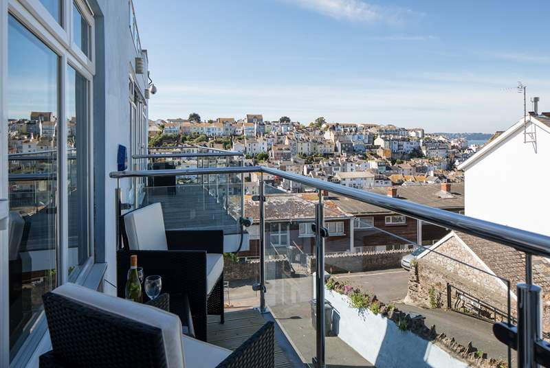 Step out from the living-room onto this lovely balcony and soak up the sea air.