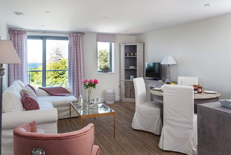 Sea Pinks has fabulous open plan living.