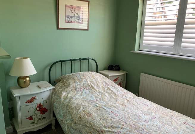 The small single bedroom on the ground floor adds flexibility for mixed groups.