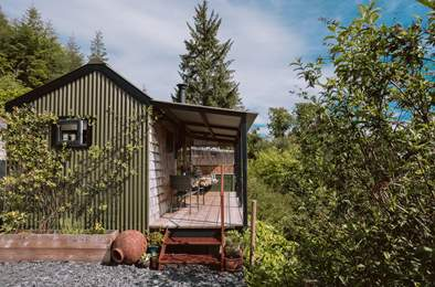 Into the Woods. Sleeps 2, 1.7 miles S of St Neot