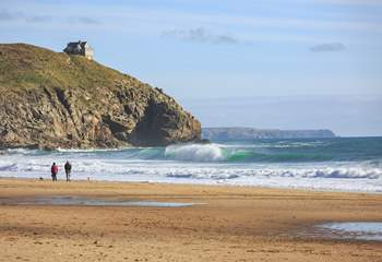 Praa Sands is perfect for a good walk and to blow away those cobwebs, plus is dog-friendly too from the end of September until Easter.