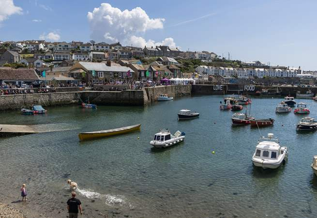 Enjoy a day or evening out in Porthleven. Watch the boats 'bobbing' about in the harbour, and then enjoy a lunch or dinner in one of the harbour restaurants.