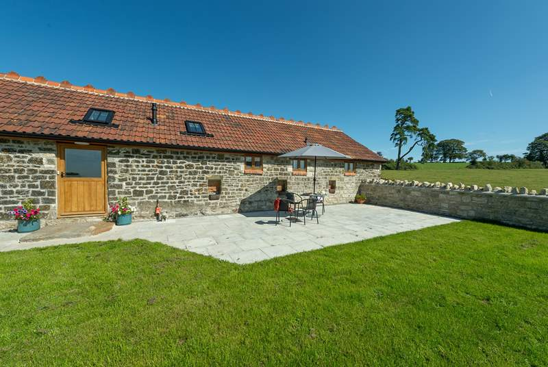 The Piggery is exceptionally spacious and has lovely open outside space that soaks up the sunshine.