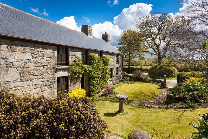 Charming Mount Wise Farmhouse is over 400 years old.
